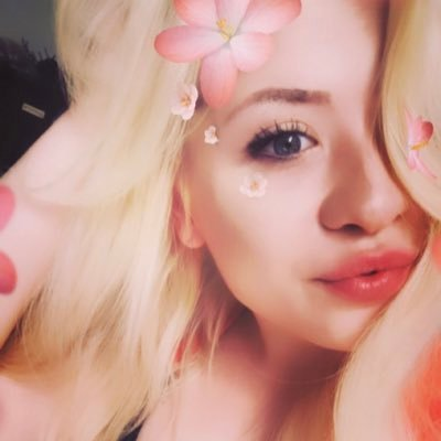 Profile Picture of Anna Rey